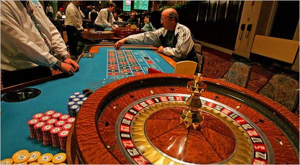 Casino & Horse Racing